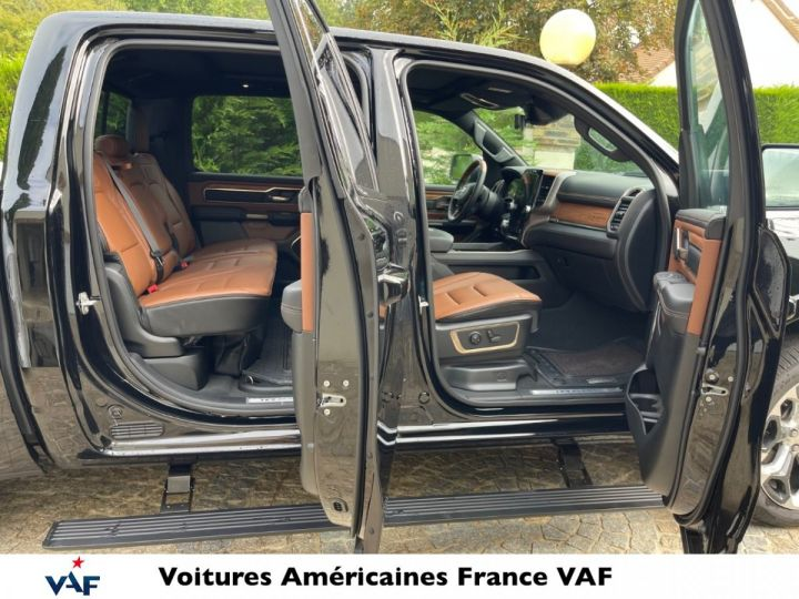 """Dodge Ram LONGHORN 2021 Crew Cab - tech pack/suspension/ecran 12"""" - PAS D'ÉCOTAXE/PAS TVS/TVA RÉCUPÉRABLE Noir Métal Neuf - 9"""
