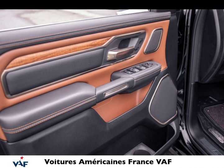 """Dodge Ram LONGHORN 2021 Crew Cab - tech pack/suspension/ecran 12"""" - PAS D'ÉCOTAXE/PAS TVS/TVA RÉCUPÉRABLE Noir Métal Neuf - 11"""