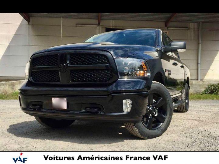 Dodge Ram SLT CLASSIC CREW CAB BLACK EDITION NEUF - PAS D'ÉCOTAXE/PAS TVS/TVA RÉCUPÉRABLE Noir Neuf - 1