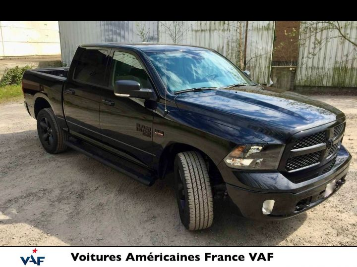 Dodge Ram SLT CLASSIC CREW CAB BLACK EDITION NEUF - PAS D'ÉCOTAXE/PAS TVS/TVA RÉCUPÉRABLE Noir Neuf - 5