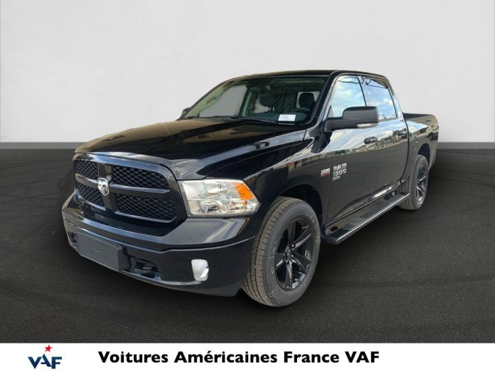 Dodge Ram SLT CLASSIC CREW CAB BLACK EDITION PAS d'ÉCOTAX/PAS TVS/TVA RECUP Noir + PACK BLACKEDITION Vendu - 1