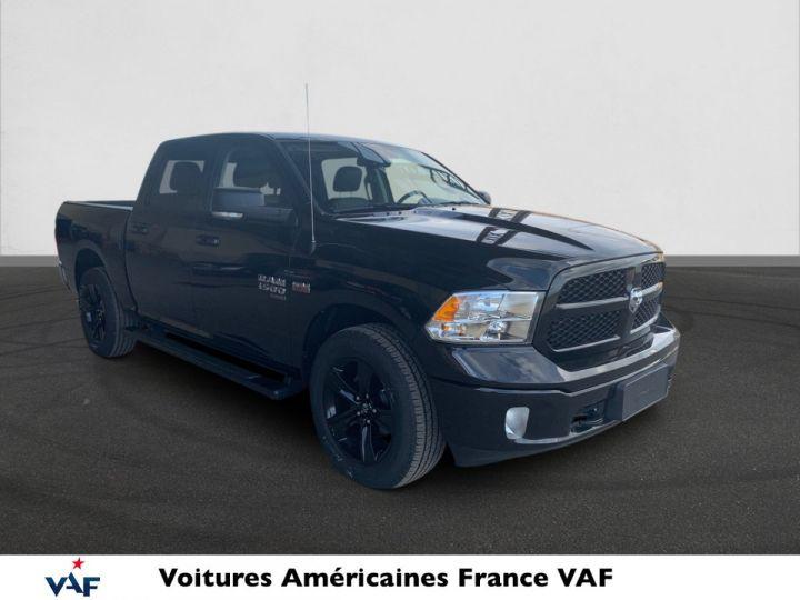 Dodge Ram SLT CLASSIC CREW CAB BLACK EDITION PAS d'ÉCOTAX/PAS TVS/TVA RECUP Noir + PACK BLACKEDITION Vendu - 2