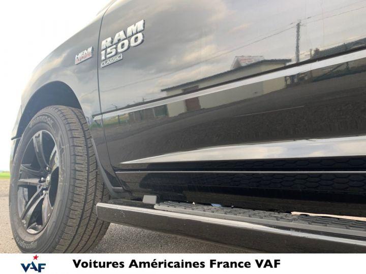 Dodge Ram SLT CLASSIC CREW CAB BLACK EDITION PAS d'ÉCOTAX/PAS TVS/TVA RECUP Noir + PACK BLACKEDITION Vendu - 6