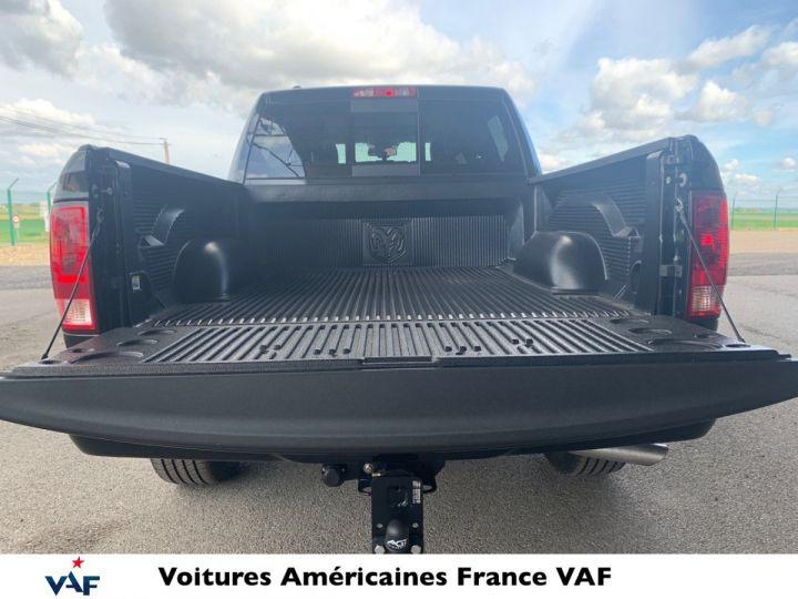 Dodge Ram SLT CLASSIC CREW CAB BLACK EDITION PAS d'ÉCOTAX/PAS TVS/TVA RECUP Noir + PACK BLACKEDITION Vendu - 7
