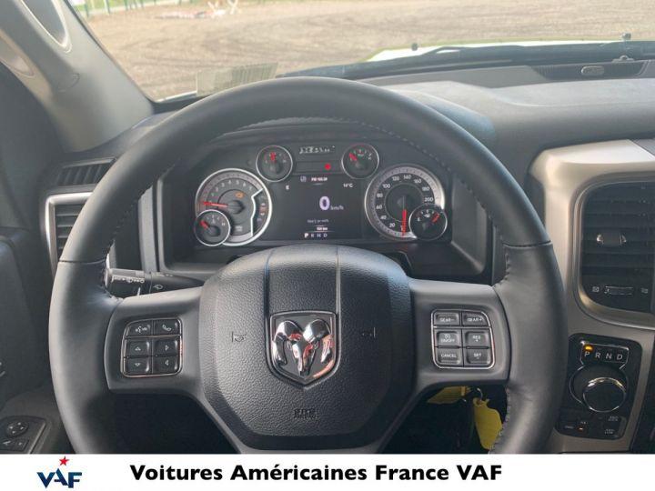 Dodge Ram SLT CLASSIC CREW CAB BLACK EDITION PAS d'ÉCOTAX/PAS TVS/TVA RECUP Noir + PACK BLACKEDITION Vendu - 10
