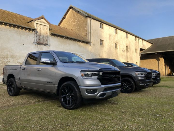 Dodge Ram SPORT NIGHT EDITION 2021 - RAMBOX/TAILGATE - PAS D'ÉCOTAXE/TVS/TVA RECUP Black / Pack Night Edition Neuf - 15