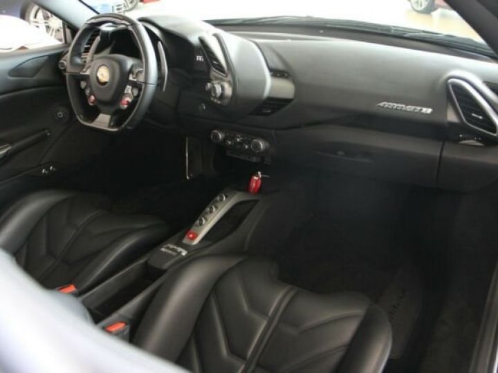 Ferrari 488 GTB Bianco Avus - 7