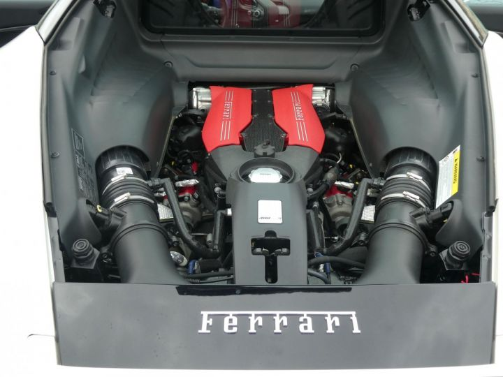 Ferrari 488 GTB 3.9 DCT Bianco Avus Vendu - 15