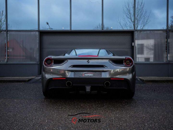 Ferrari 488 GTB 488 GTB V8 3.9 T 670ch Pack Carbon JBL Camera Garantie 12 Mois Clés en Main Gris Foncé - 7