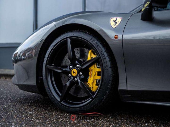 Ferrari 488 GTB 488 GTB V8 3.9 T 670ch Pack Carbon JBL Camera Garantie 12 Mois Clés en Main Gris Foncé - 11