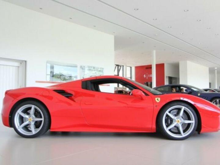 Ferrari 488 Spider Rosso Scuderia - 2