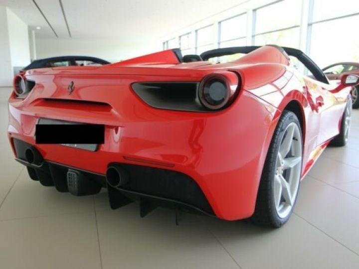 Ferrari 488 Spider Rosso Scuderia - 5