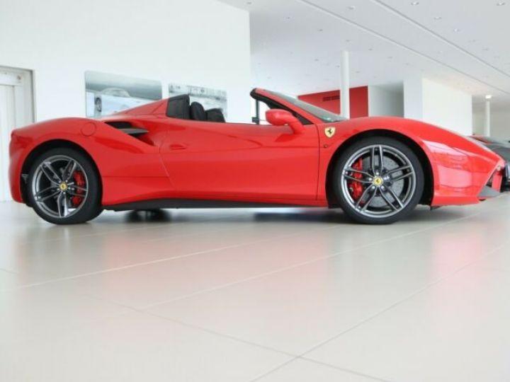 Ferrari 488 Spider Rosso Corsa - 9