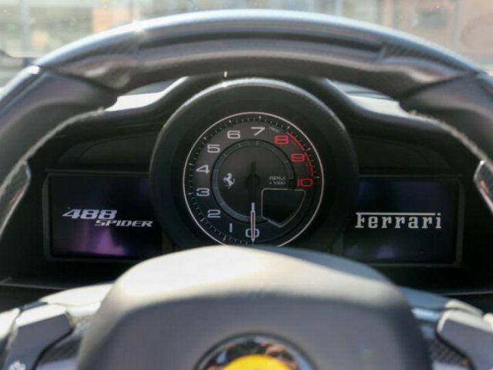 Ferrari 488 Spider Carbone#Lift#Sièges Racing#HiFi Grigio Silverstone métal - 17