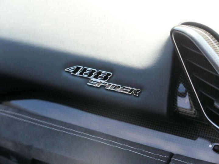 Ferrari 488 Spider Carbone#Lift#Sièges Racing#HiFi Grigio Silverstone métal - 18