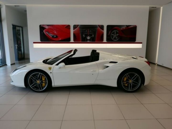 Ferrari 488 Spider Carbone#Lift#Sièges Racing#HiFi Bianco Avus - 4
