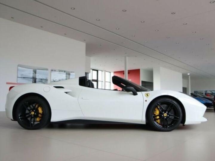 Ferrari 488 Spider V8 3.9 bi-turbo#Pack carbone Bianco Avus - 2