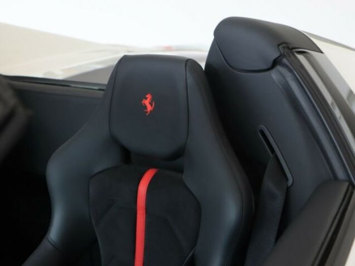 Ferrari 488 Spider V8 3.9 bi-turbo#Pack carbone Bianco Avus - 13