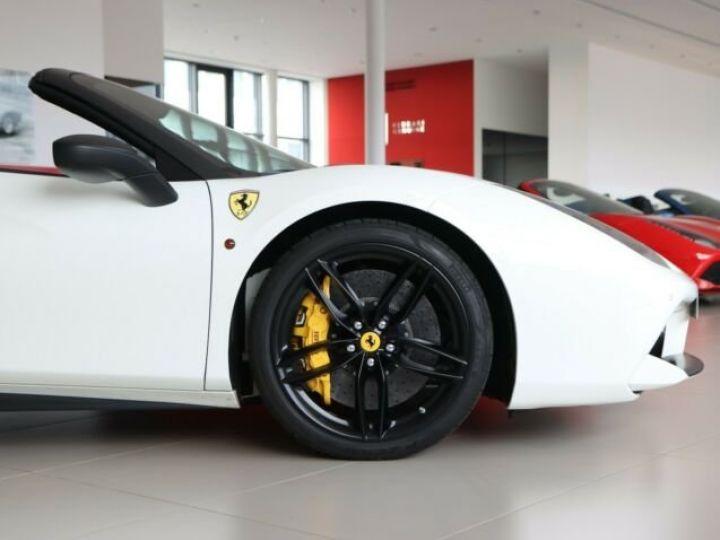 Ferrari 488 Spider V8 3.9 bi-turbo#Pack carbone Bianco Avus - 19
