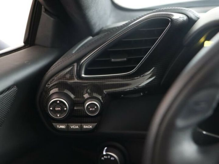 Ferrari 488 Spider V8 3.9 bi-turbo#Pack carbone Bianco Avus - 20