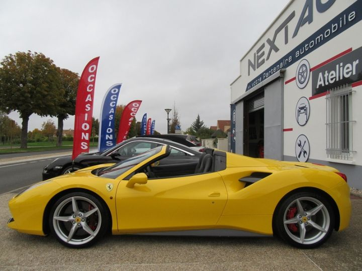 Ferrari 488 Spider V8 3.9 T 670CH Jaune Modena Occasion - 5