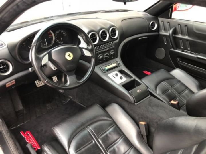 Ferrari 575 M Maranello F1 rouge - 8