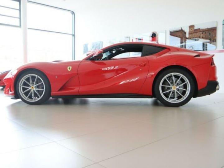 Ferrari 812 Superfast Rosso Corsa - 21