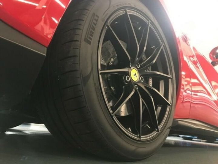 Ferrari 812 Superfast DCT F1 rosso corsa - 5