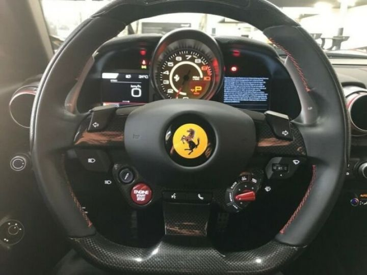 Ferrari 812 Superfast DCT F1 rosso corsa - 8