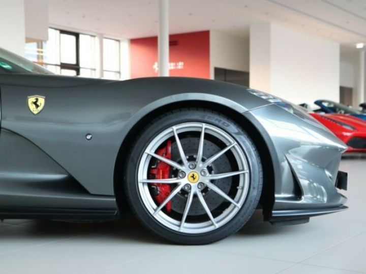 Ferrari 812 Superfast V12 6.5 Grigio Silverstone métal - 21