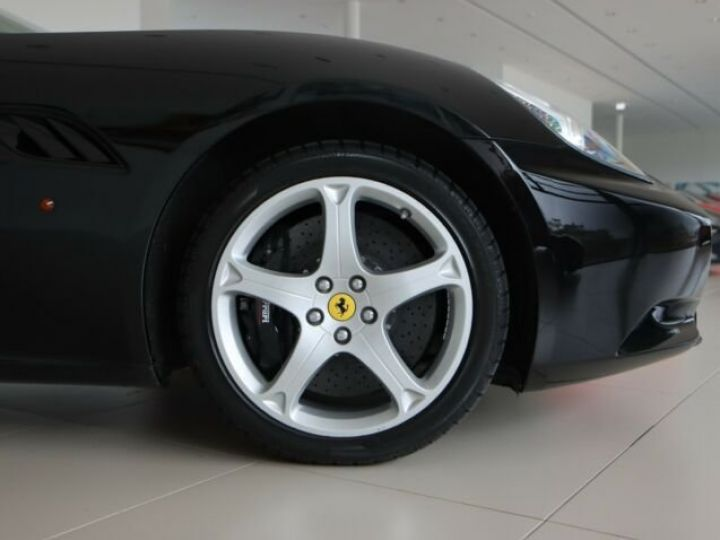Ferrari California Nero - 18