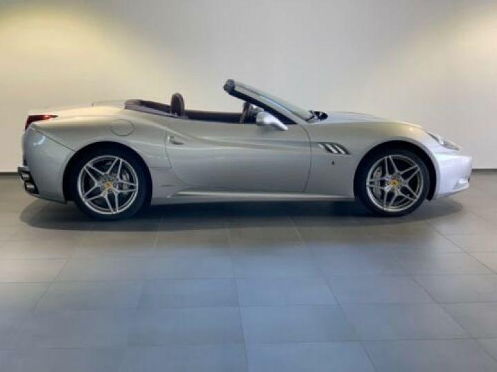 Ferrari California 4.3L / Moteur V8 4 siège / Carbon Daytona Gris métallisée  - 4