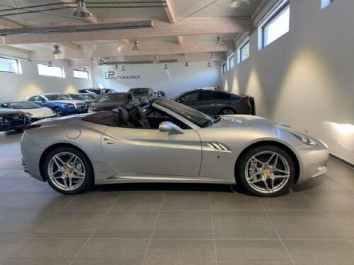 Ferrari California 4.3L / Moteur V8 4 siège / Carbon Daytona Gris métallisée  - 9