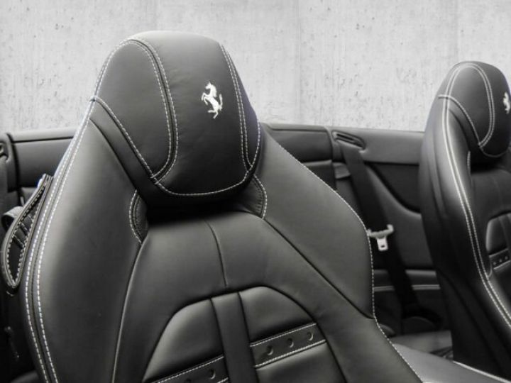 Ferrari California T Apple Carplay Vendu stiring-wendel ...
