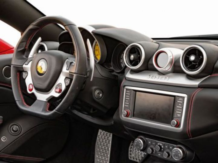 Ferrari California V8 3.9 T 560CH ROUGE Occasion - 2