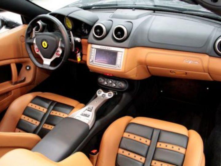 Ferrari California V8 4.3 GRIS Occasion - 9