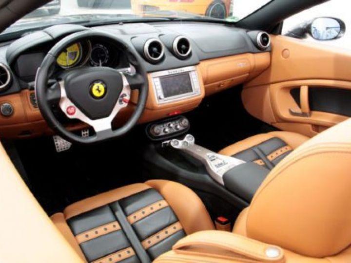 Ferrari California V8 4.3 GRIS Occasion - 13