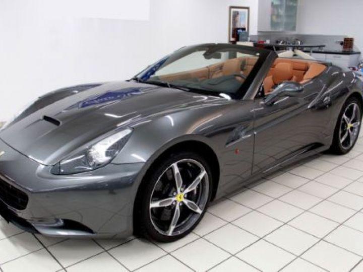 Ferrari California V8 4.3 GRIS Occasion - 20