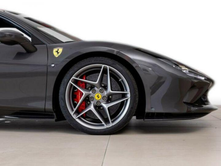 Ferrari F8 Tributo V8 3.9 bi-turbo 721 Ch Grigio - 3