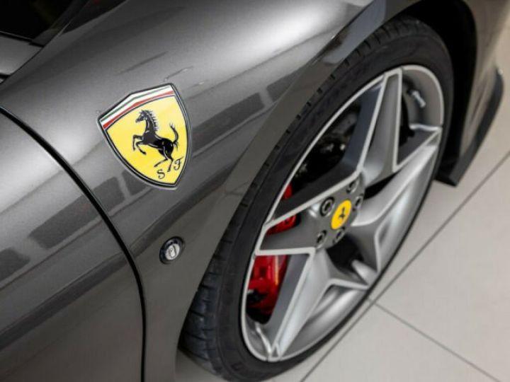 Ferrari F8 Tributo V8 3.9 bi-turbo 721 Ch Grigio - 11