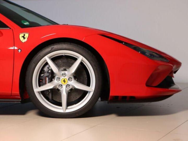 Ferrari F8 Tributo V8 3.9 Turbo Rosso Corsa - 20