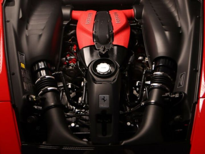 Ferrari F8 Tributo V8 3.9 Turbo Rosso Corsa - 21