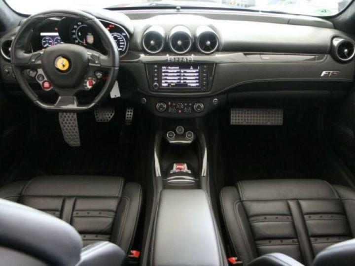 Ferrari FF Cockpit carbone Grigio Titanio métal - 3