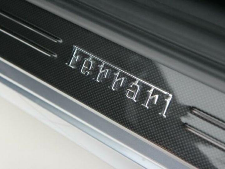 Ferrari FF Cockpit carbone Grigio Titanio métal - 15