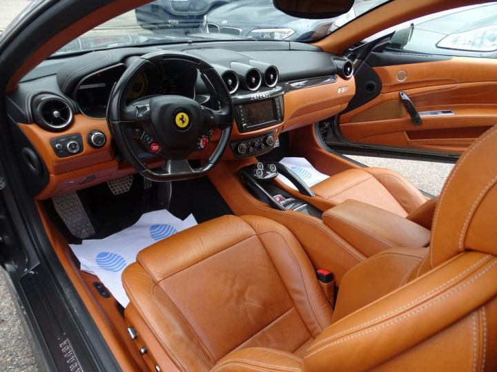 Ferrari FF V12 4M/Ceramique  Pack Carbone + Alcantara noir  Cameras Av et Ar ..... grigio silverstone met - 9