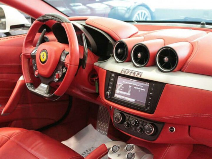 Ferrari FF V12 6.3 660ch 4X4/GPS/ Boite Auto 7 Vitesses *Pack sport - Cuir Rosso* Livré et garantie 12 mois Blanc - 5