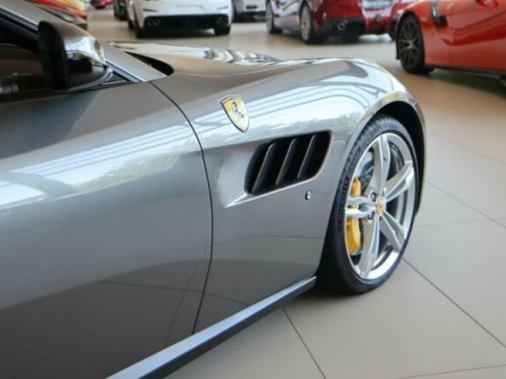 Ferrari GTC4 Lusso Grigio Ferro métal - 20