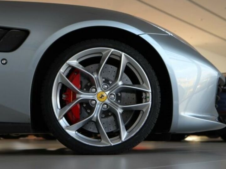 Ferrari GTC4 Lusso grigio titanium métal - 17