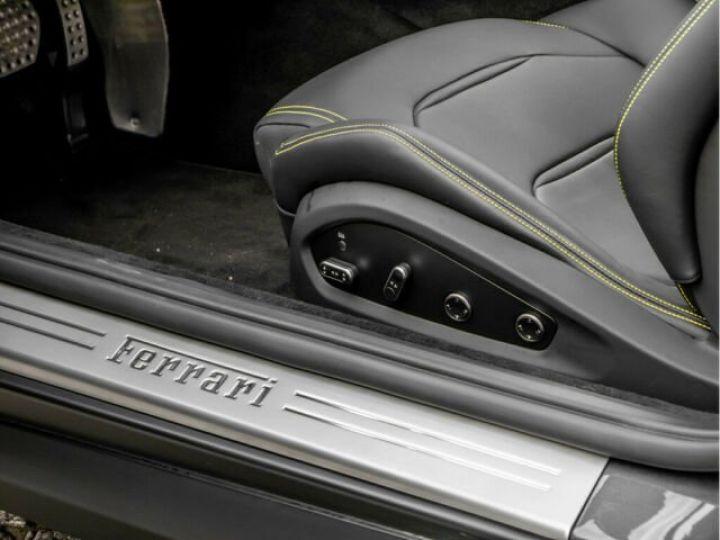 Ferrari GTC4 Lusso Apple Carplay Nero - 4