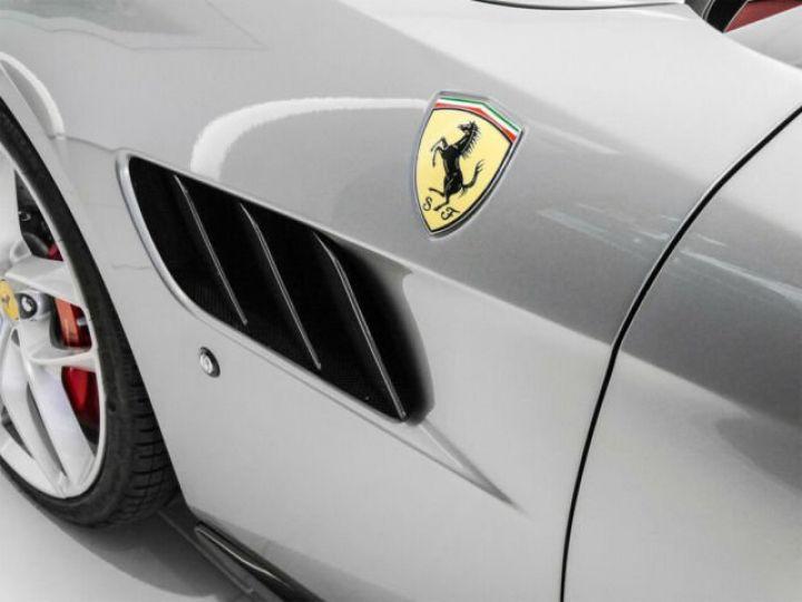 Ferrari GTC4 Lusso T V8 3.9 Grigio Titanio métal - 5